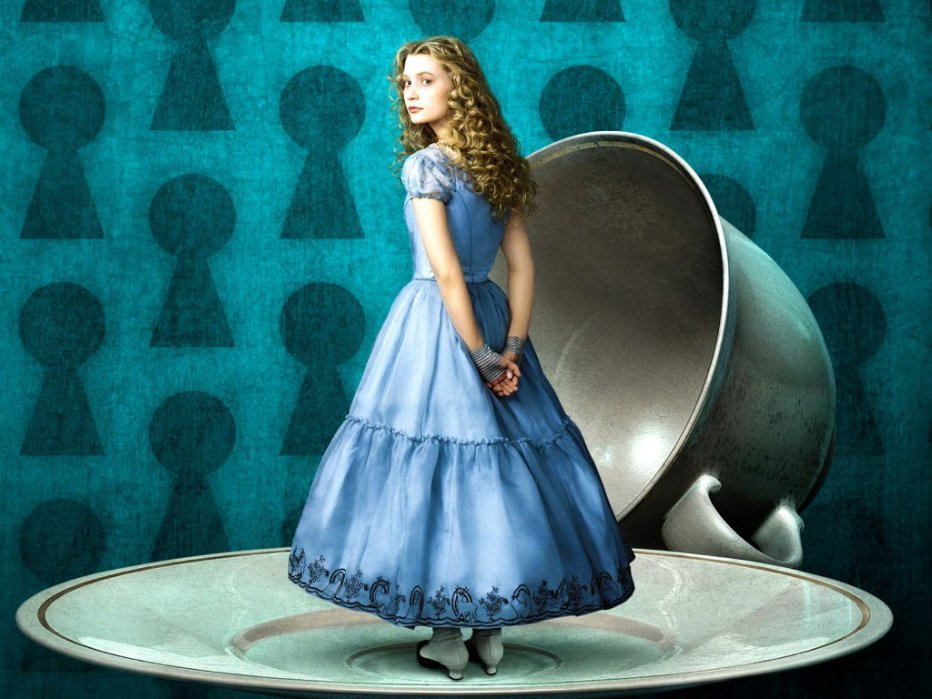 alice-in-wonderland-2010-tim-burton-01.jpg