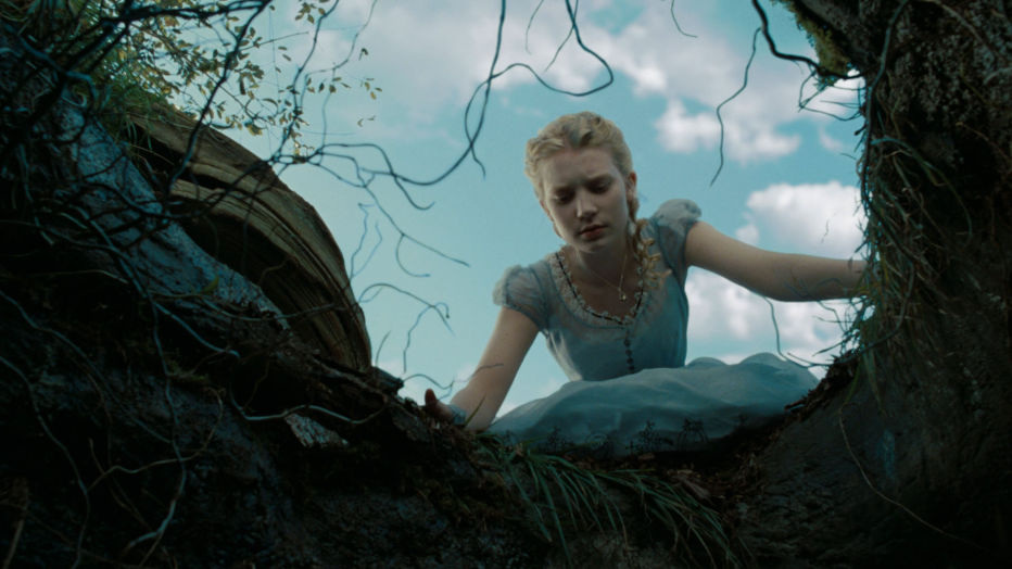 alice-in-wonderland-2010-tim-burton-04.jpg