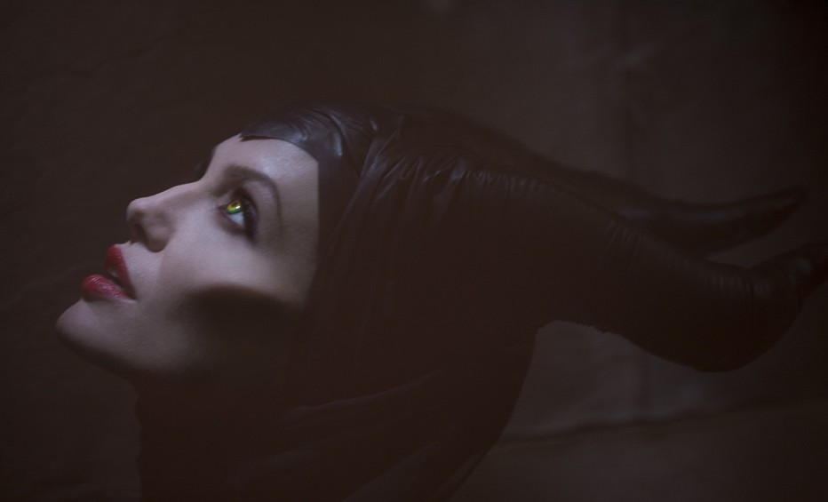 maleficent-2014-robert-stromberg-18.jpg