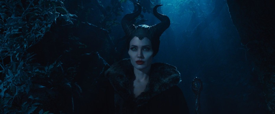 maleficent-2014-robert-stromberg-24.jpg