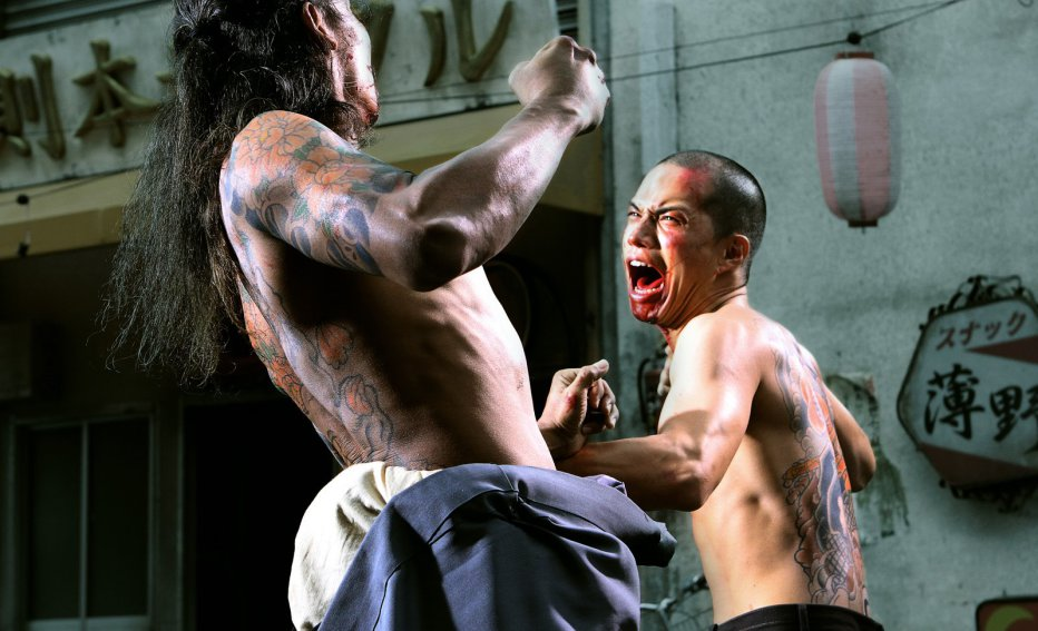 yakuza-apocalypse-gokudo-daisenso-2015-takashi-miike-03.jpg