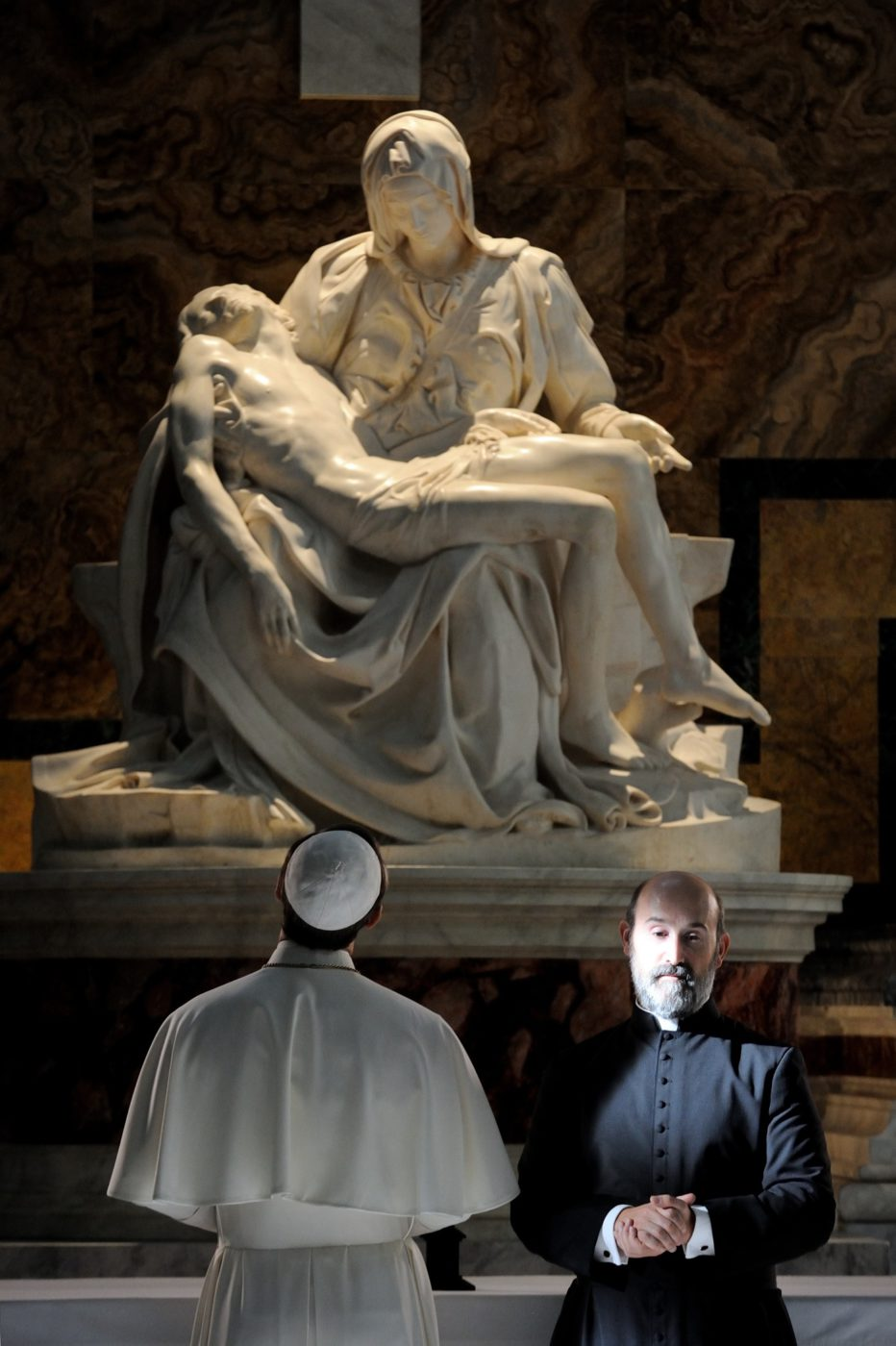 the-young-pope-2016-paolo-sorrentino-007.jpg