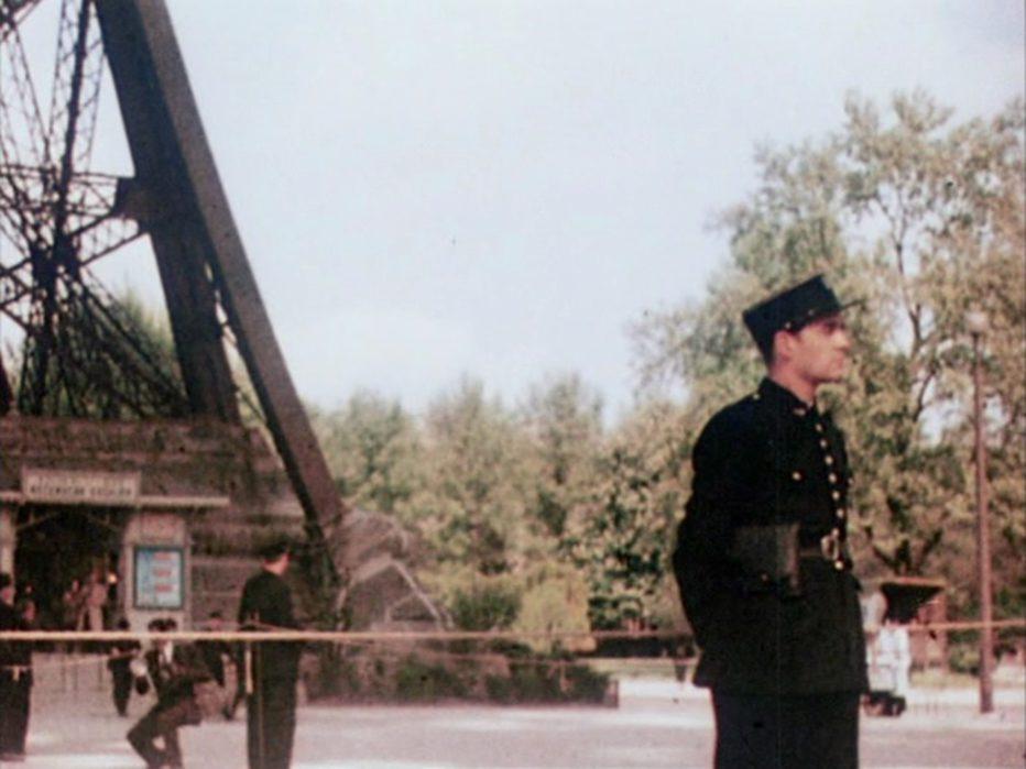 l-uomo-della-torre-eiffel-1949-Burgess-Meredith-010.jpg