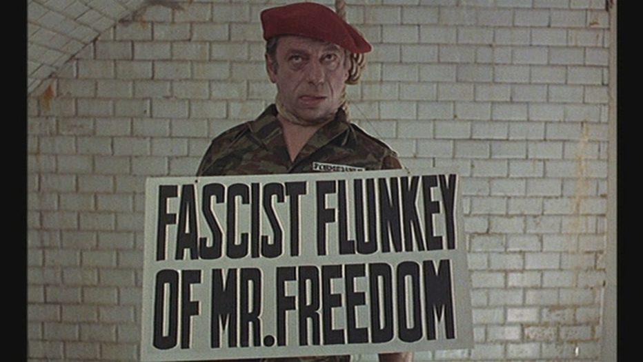 Evviva-la-liberta-1969-Mr-Freedom-William-Klein-24.jpg