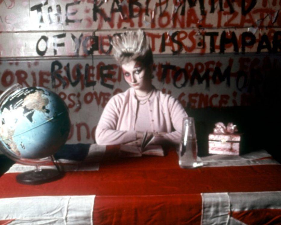 jubilee-1978-derek-jarman-03.jpg