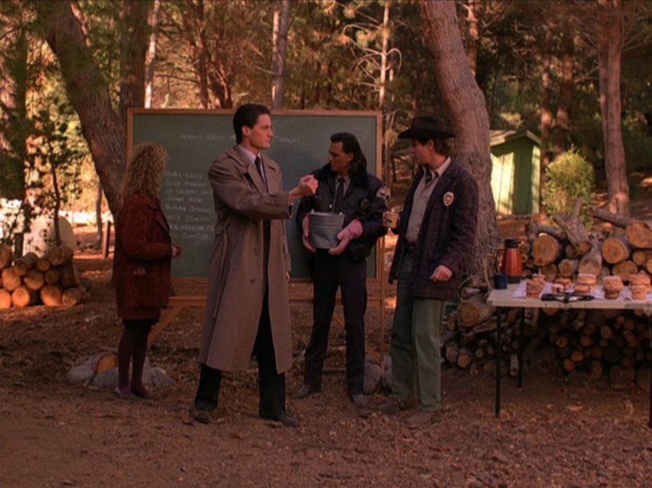 twin-peaks-1990-1991-david-lynch-mark-frost-19.jpg