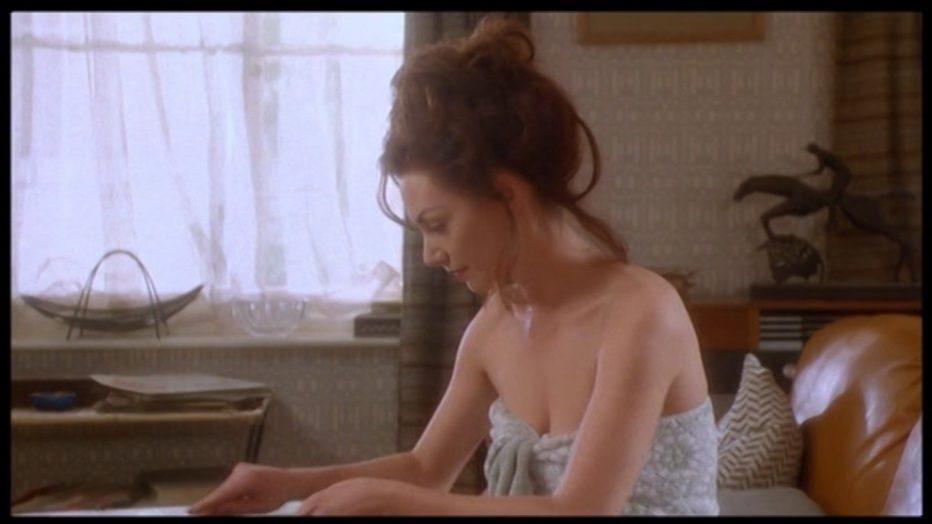 scandal-il-caso-profumo-1989-Michael-Caton-Jones-011.jpg