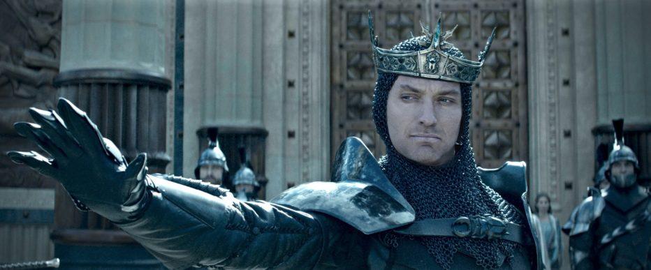 king-arthur-il-potere-della-spada-2017-Guy-Ritchie-2.jpg