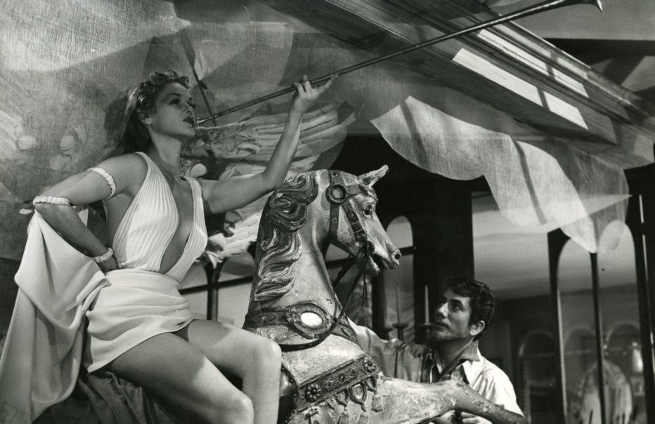 le-plaisir-1952-max-ophuls-2.jpg