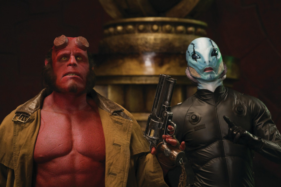 Hellboy-The-Golden-Army-2008-Del-Toro-12.jpg