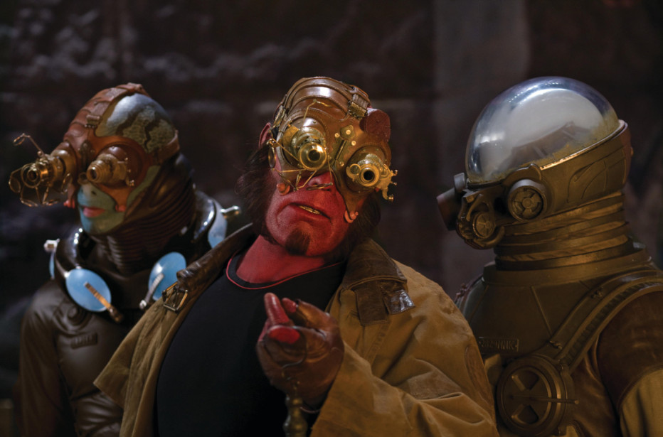 Hellboy-The-Golden-Army-2008-Del-Toro-16.jpg