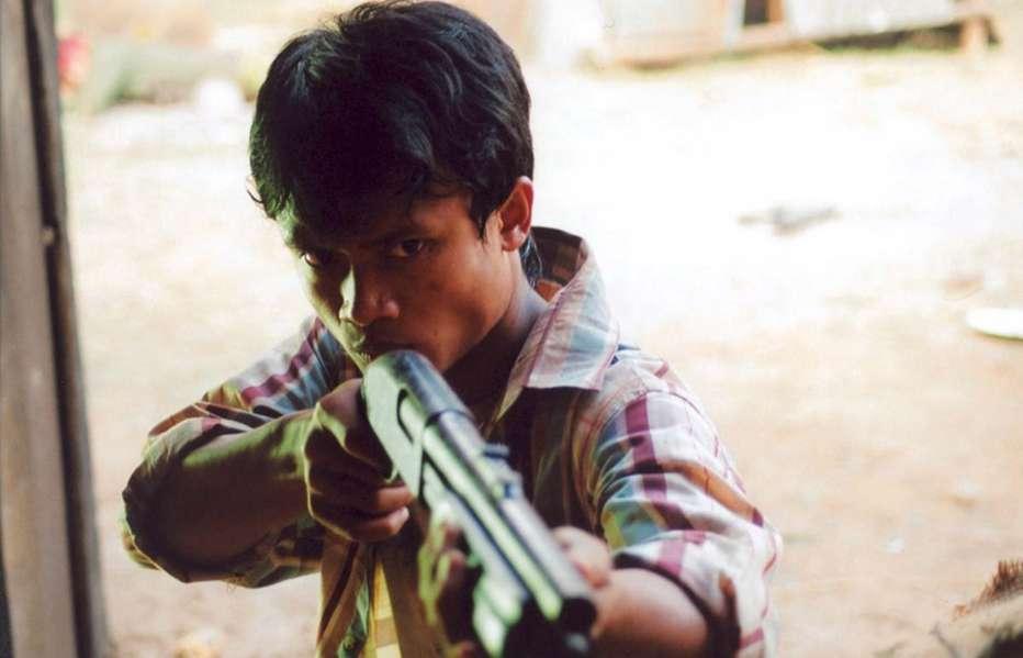 Born-to-Fight-2004-Panna-Ritthikrai-16.jpg