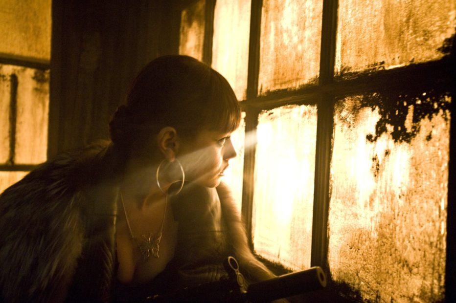 Max-Payne-2008-John-Moore-01.jpg