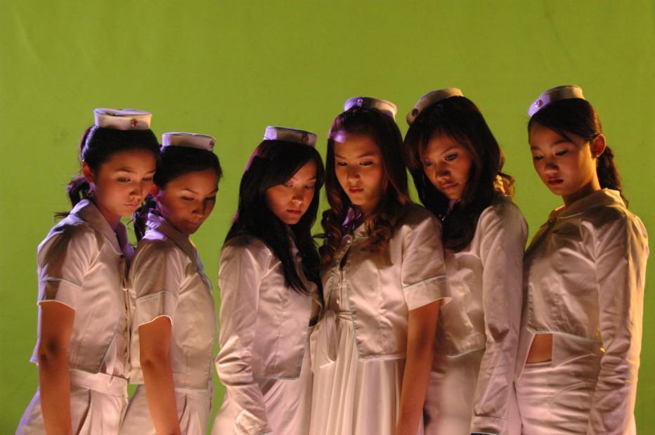 sick-nurses-2007-06.jpg