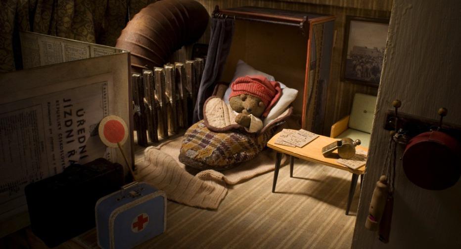 toys-in-the-attic-2009-jiri-barta-14.jpg