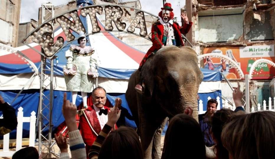 Ballata-dellodio-e-dellamore-2010-Balada-triste-de-trompeta-Alex-de-la-Iglesia-05.jpg