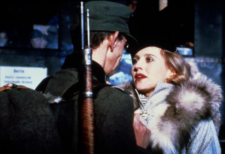 Lili-Marleen-1981-Rainer-Werner-Fassbinder-04.jpg