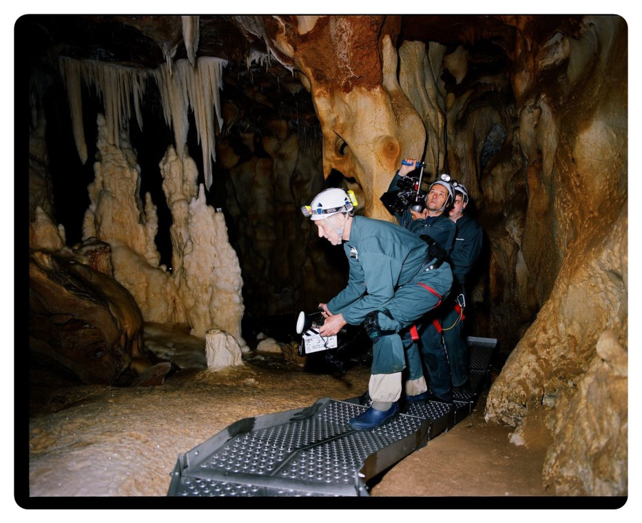 cave-of-forgotten-dreams-2010-Werner-Herzog-009.jpg