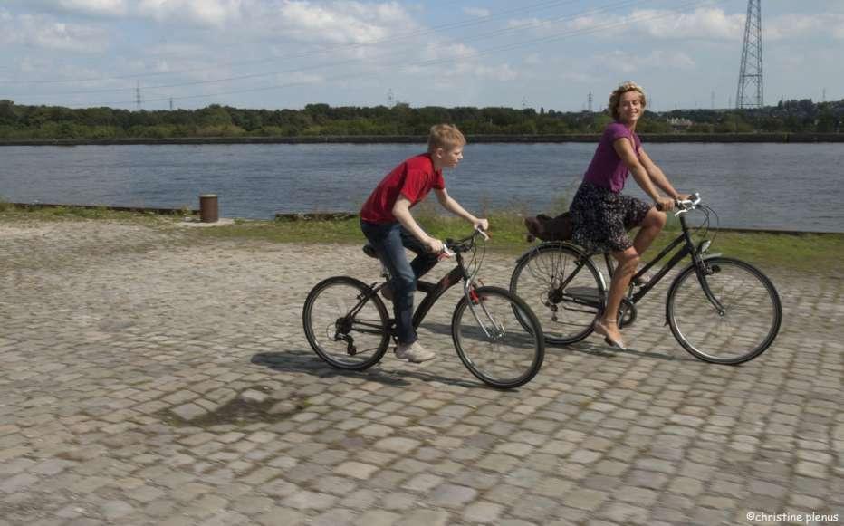 Il-ragazzo-con-la-bicicletta-2011-Dardenne-07.jpg