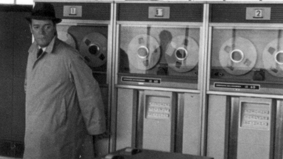 agente-lemmy-caution-missione-alphaville-1965-jean-luc-godard-05.jpg