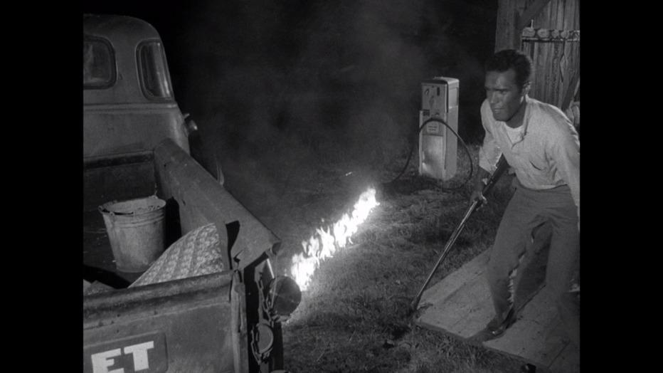 la-notte-dei-morti-viventi-night-of-living-dead-1968-george-a-romero-12.jpg