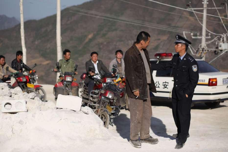 People-Mountain-People-Sea-2011-Cai-Shangjun-04.jpg