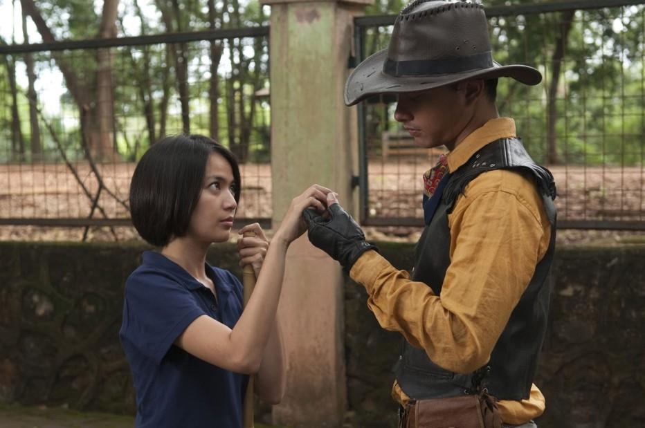postcards-from-the-zoo-2012-edwin-kebun-binatang.jpg