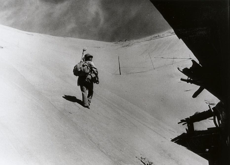 la-donna-di-sabbia-1964-hiroshi-teshigahara-07.jpg