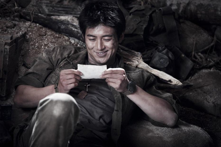 The-Front-Line-2011-Jang-Hun-12.jpg