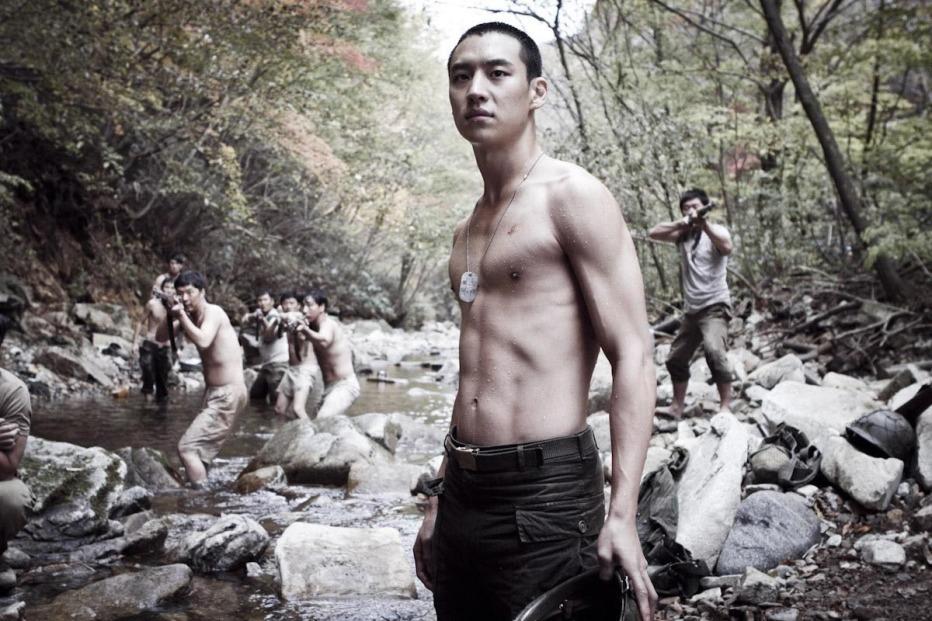 The-Front-Line-2011-Jang-Hun-14.jpg