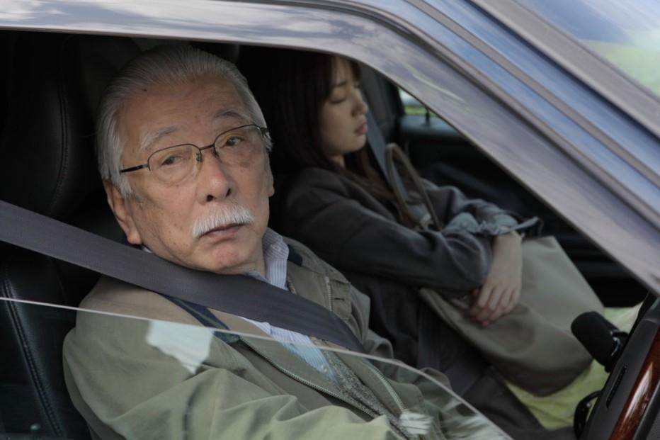 qualcuno-da-amare-2012-abbas-kiarostami-002.jpg