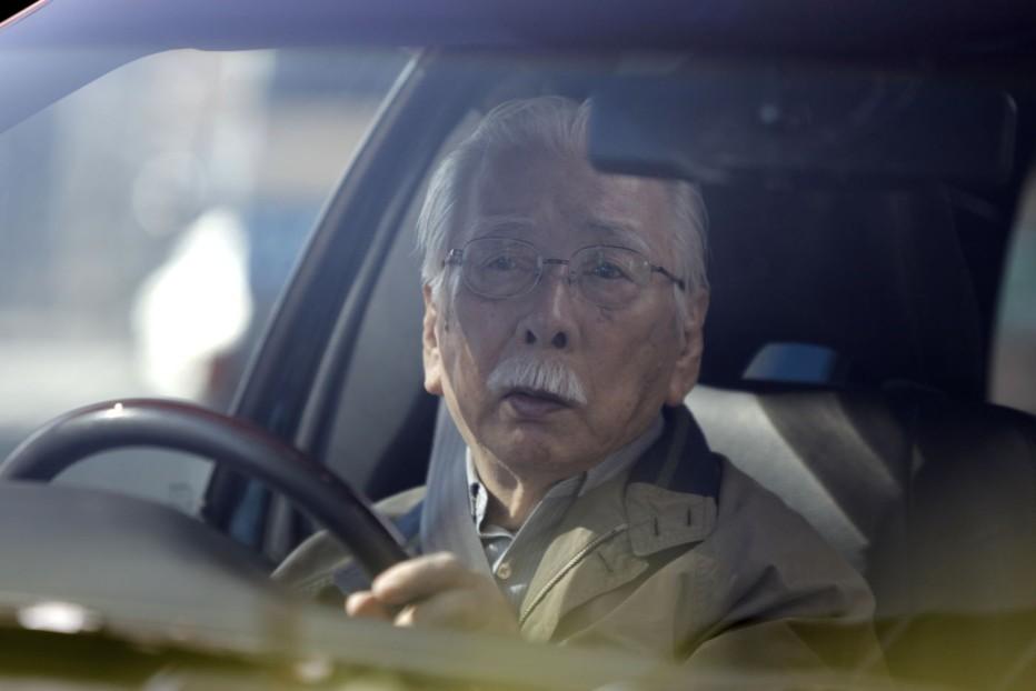 qualcuno-da-amare-2012-abbas-kiarostami-005.jpg