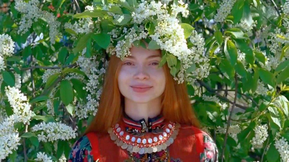 Celestial-Wives-of-Meadow-Mari-2012-Aleksei-Fedorchenko-02.jpg
