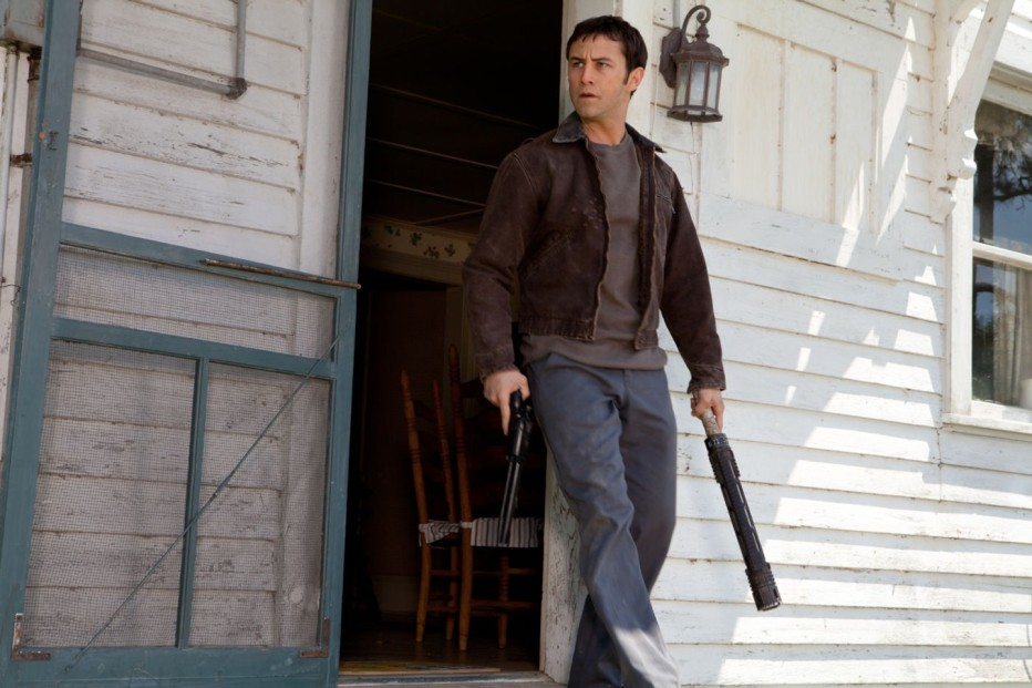 looper-2012-rian-johnson-01.jpg