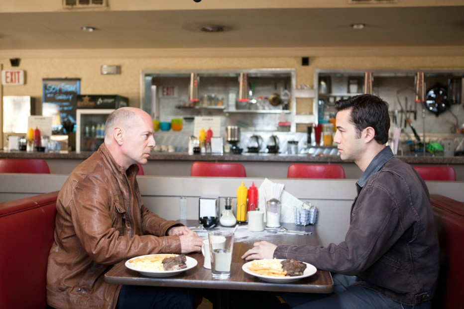 looper-2012-rian-johnson-24.jpg