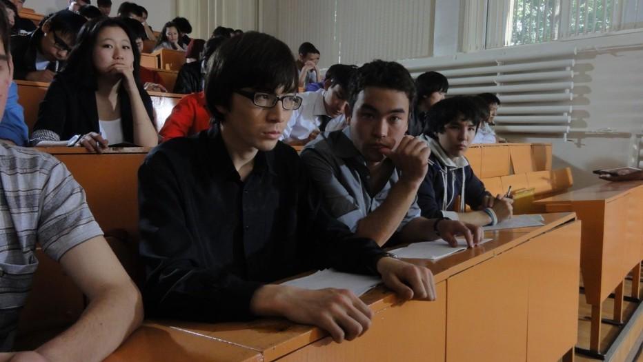 student-2012-darezan-omirbaev-002.jpg