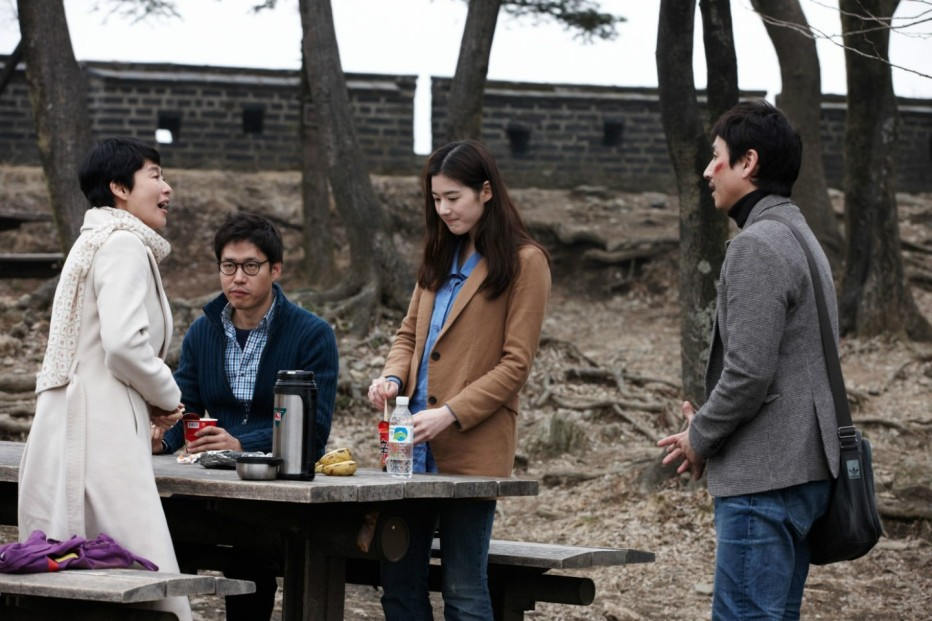 nobody-s-daughter-haewon-2013-hong-sang-soo-08.jpg