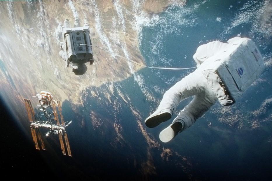 gravity-2013-cuaron-12.jpg
