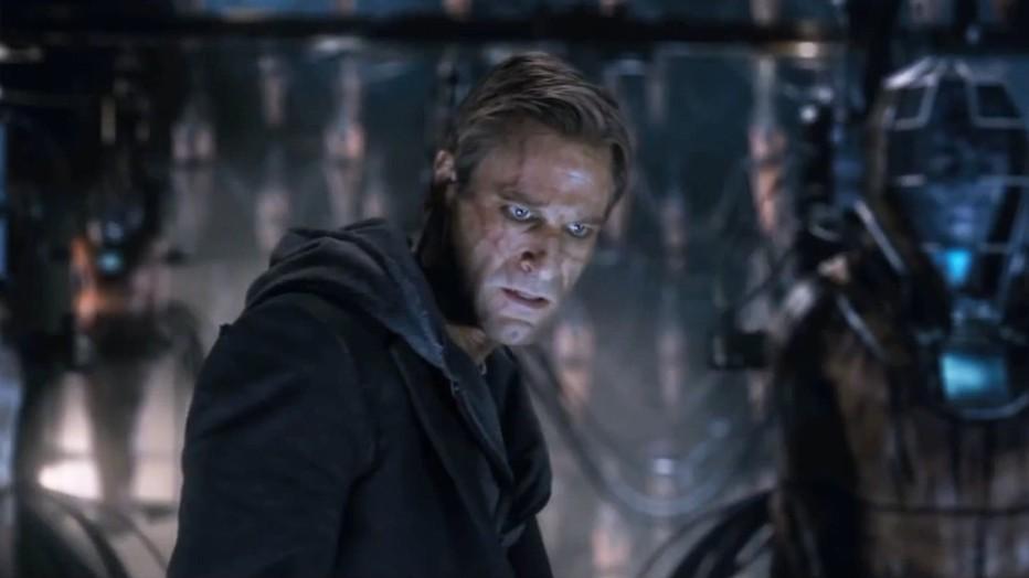 I-Frankenstein-2013-Aaron-Eckhart-Stuart-Beattie-011.jpg