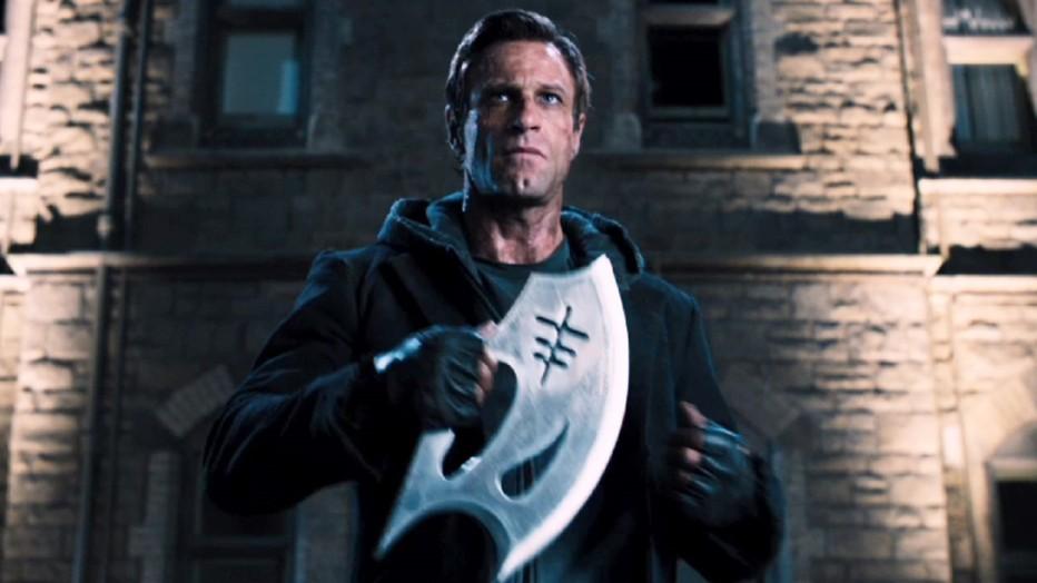 I-Frankenstein-2013-Aaron-Eckhart-Stuart-Beattie-051.jpg