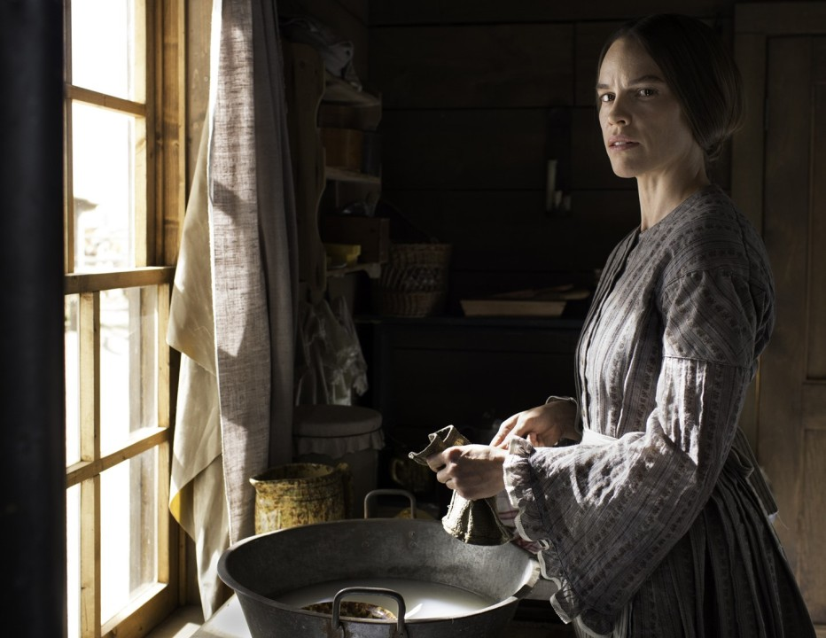 the-homesman-2014-tommy-lee-jones-08.jpg