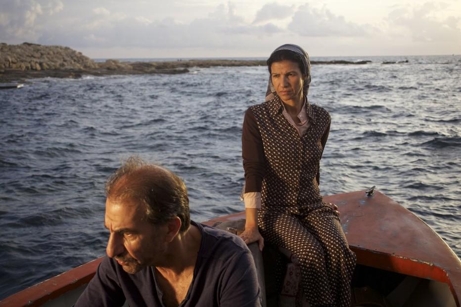 un-insolito-naufrago-nellinquieto-mare-doriente-2011-Sylvain-Estibal-007.jpg