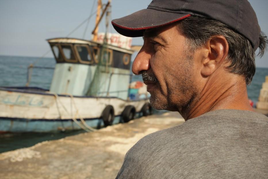 un-insolito-naufrago-nellinquieto-mare-doriente-2011-Sylvain-Estibal-010.jpg