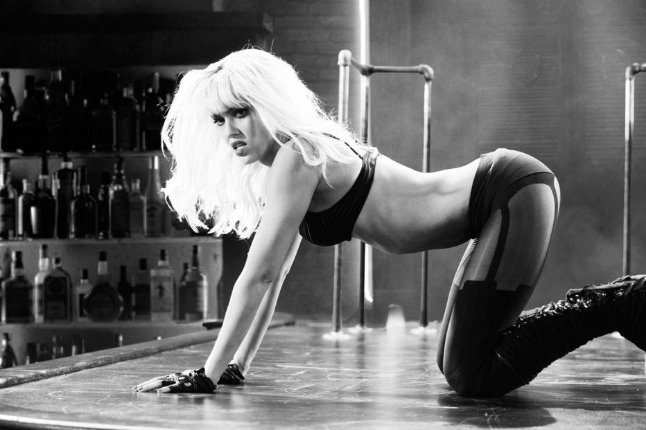 Sin-City-Una-donna-per-cui-uccidere-2014-Frank-Miller-Robert-Rodriguez-03.jpg
