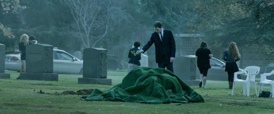 burying-the-ex-2014-joe-dante-06.jpg