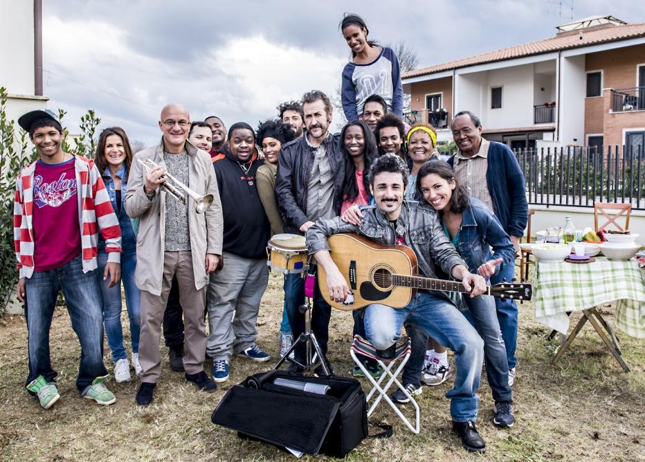 confusi-e-felici-2014-massimiliano-bruno-024.jpg