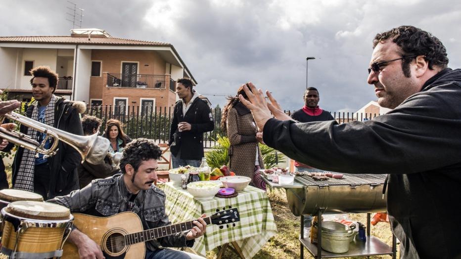 confusi-e-felici-2014-massimiliano-bruno-026.jpg