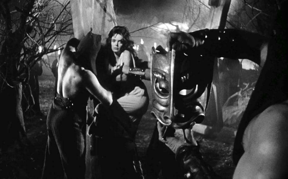 la-maschera-del-demonio-mario-bava-1960-03.jpg