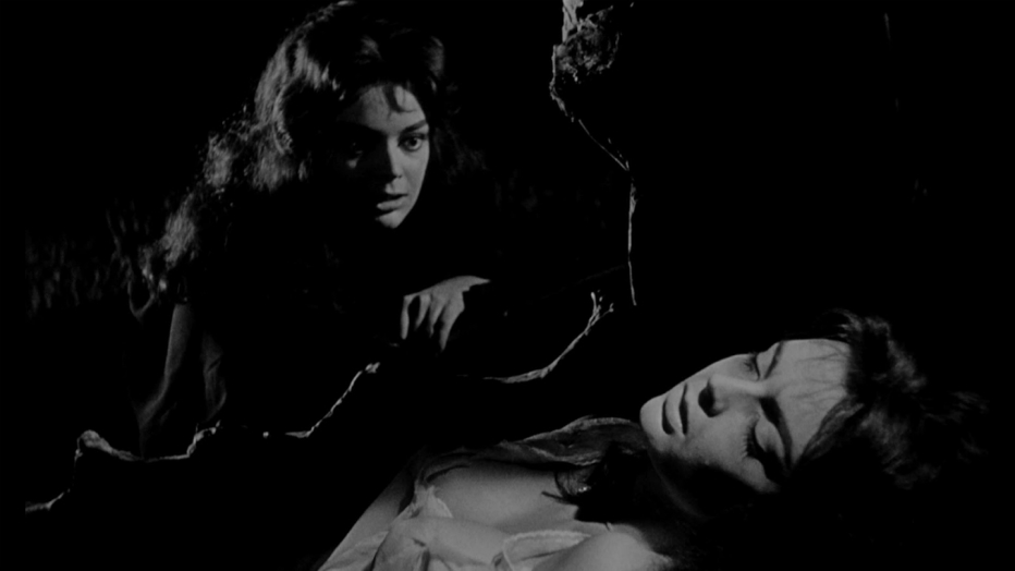 la-maschera-del-demonio-mario-bava-1960-09.jpg