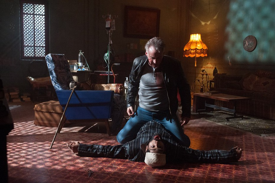 Il-nemico-invisibile-2014-Dying-of-the-Light-Paul-Schrader-34.jpg